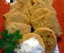 Salatini con paprika e parmigiano: ricetta finger food