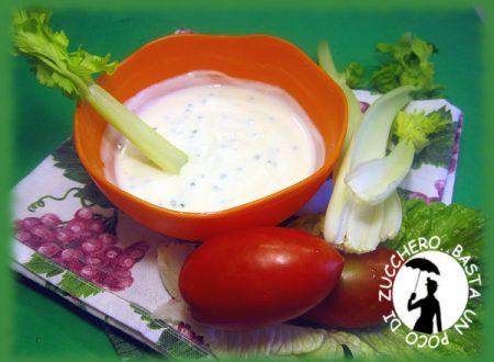 Salsa allo yogurt : condimento leggero per l'estate