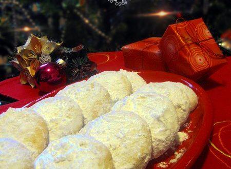 Kourabiedes – biscotti natalizi greci