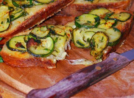 Bruschettoni rustici alle zucchine