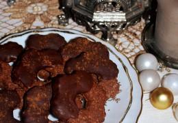 Biscotti integrali al cacao nocciole e cannella
