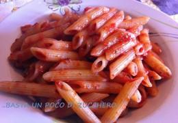 Pennette al pomodoro ed erbe aromatiche