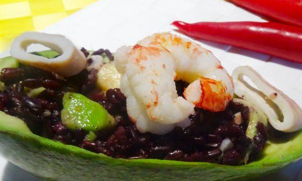 Cestini di avocado con riso Venere