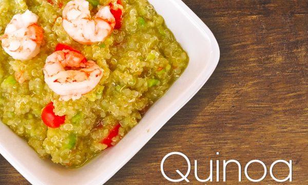 Quinoa con guacamole e gamberi