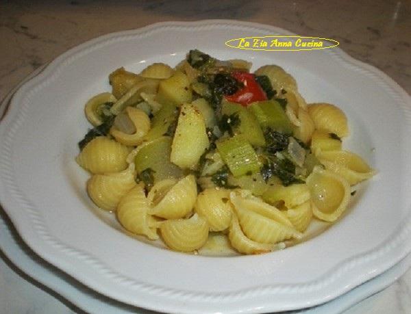 conchiglie con zucchine lunghe
