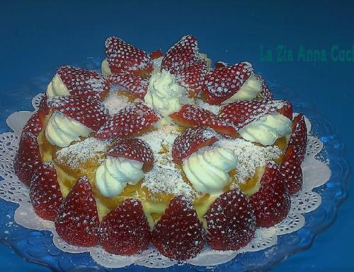 Torta di pasta sfoglia con le fragole