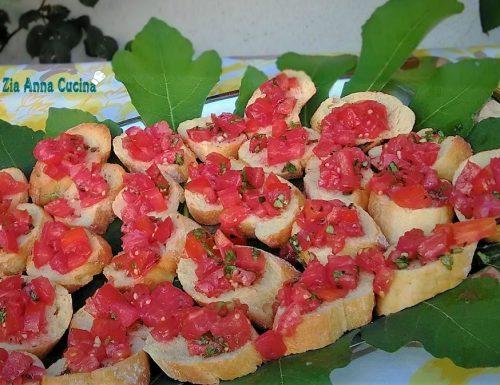 Bruschette con pomodorini