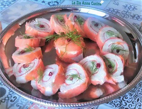 Tronchetto di pan carré al salmone affumicato
