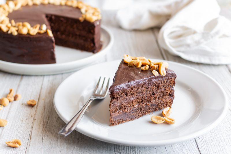 Peanut cake (torta al cioccolato mou e noccioline)