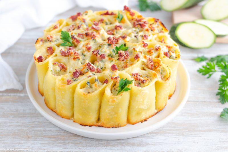 Torta di pasta con speck e zucchine
