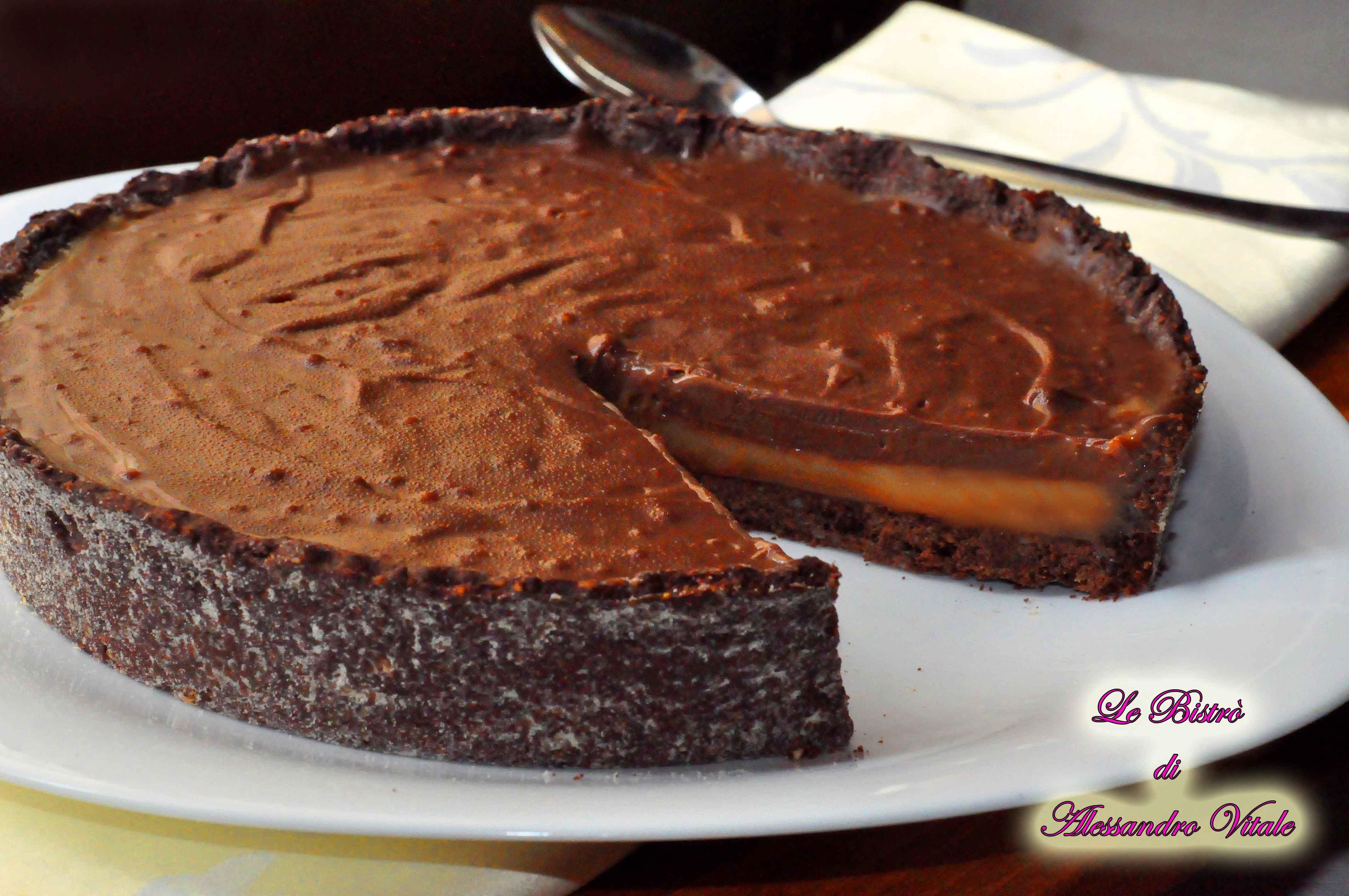 Torta con noci e cioccolato al latte