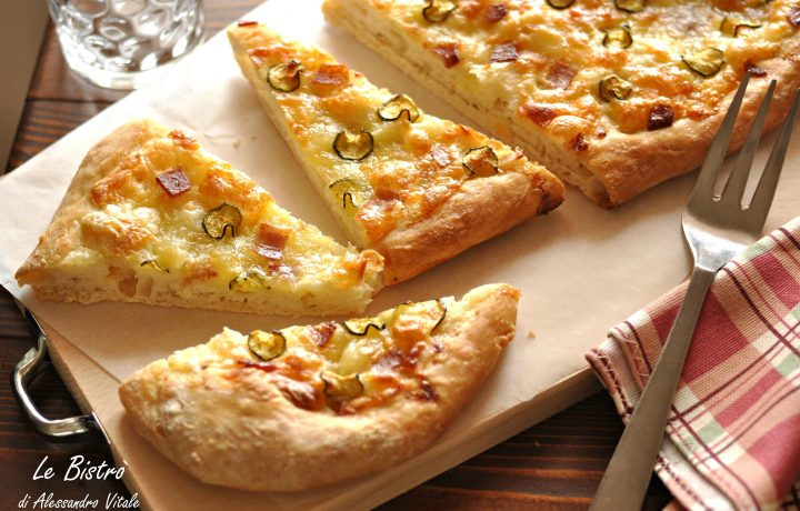 Pizza con provola affumicata speck e zucchine