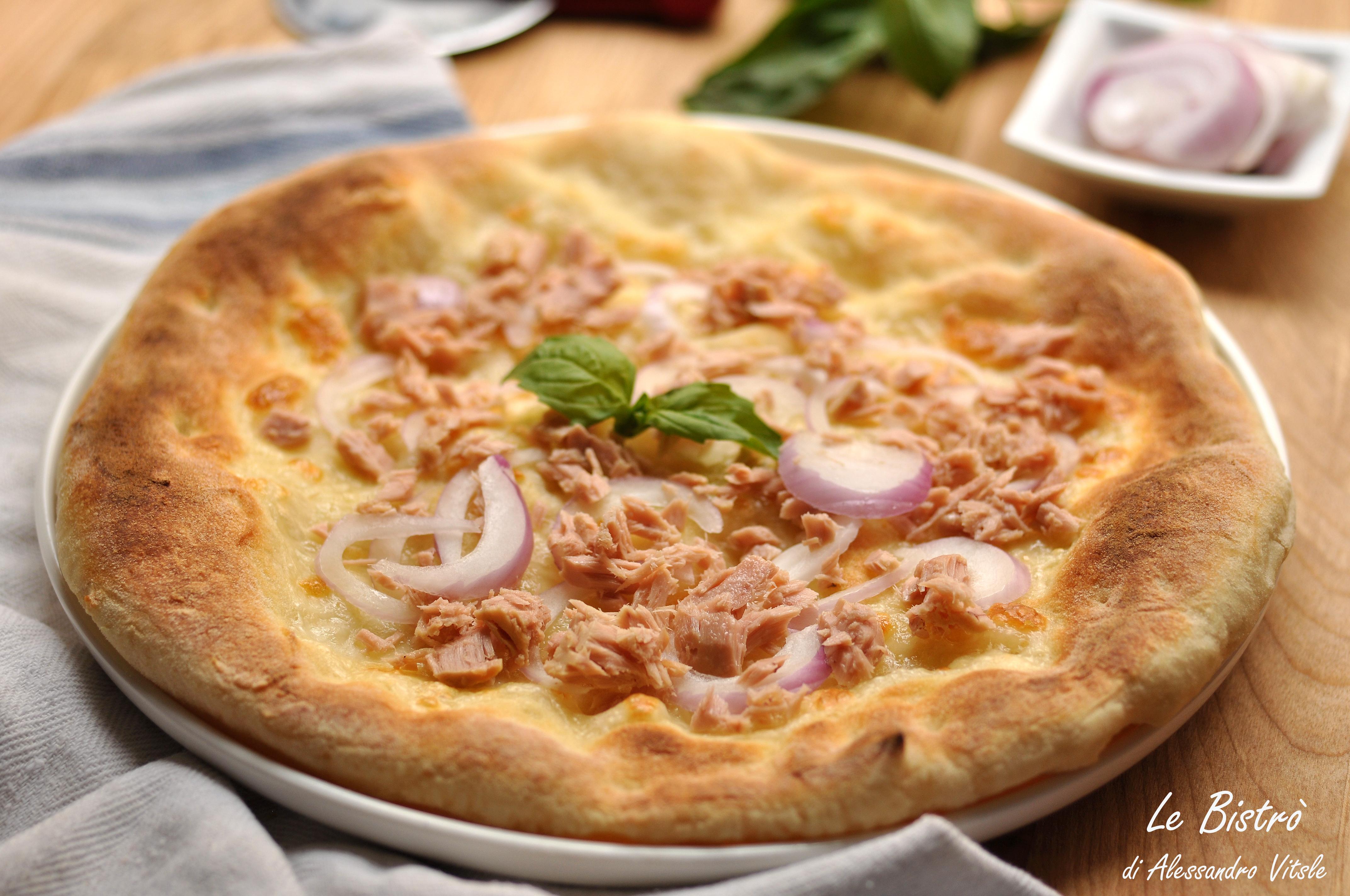 Pizza di Kamut con Tonno e Cipolle