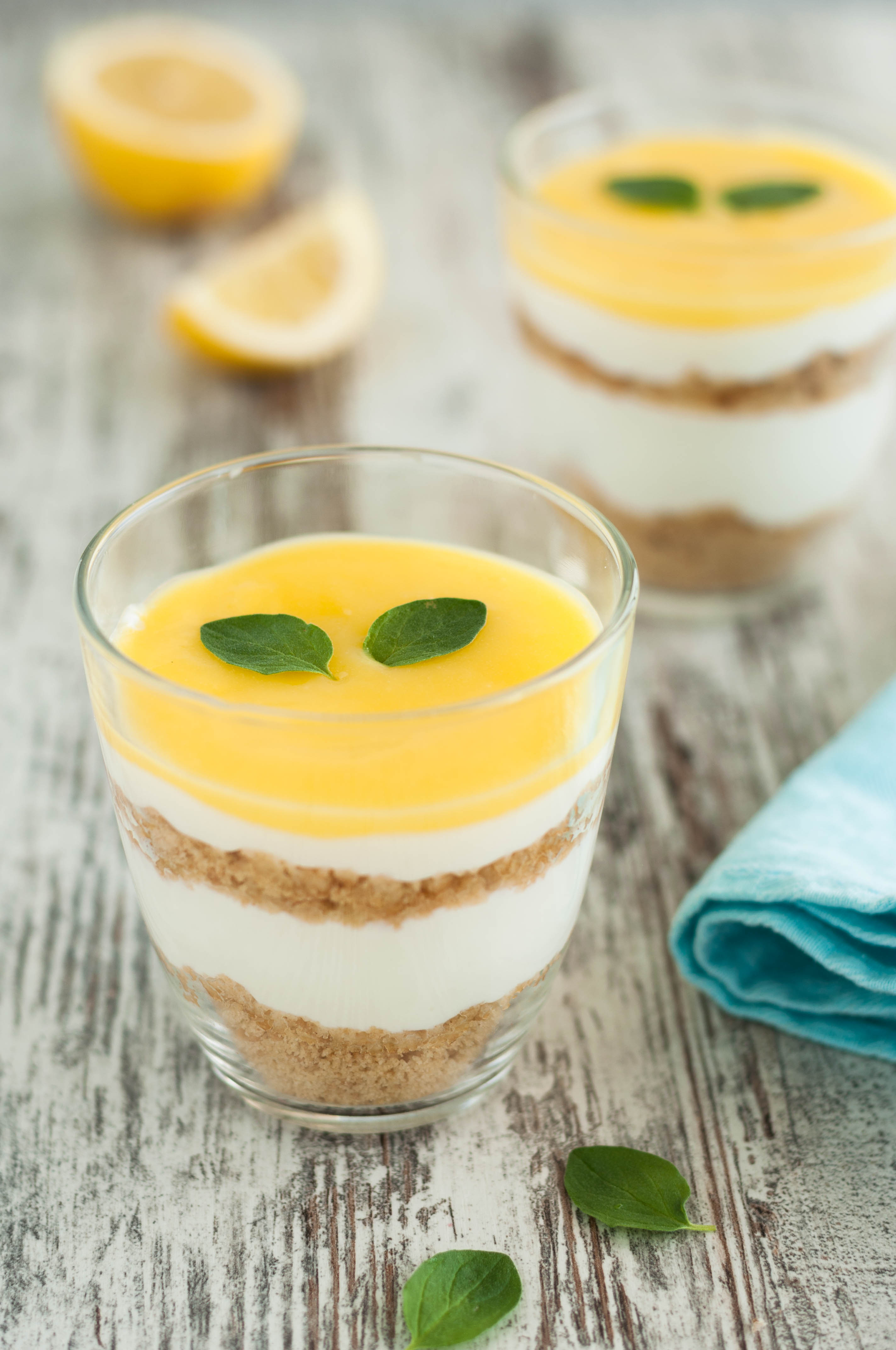 Bicchierini di cheesecake con ricotta e lemon curd
