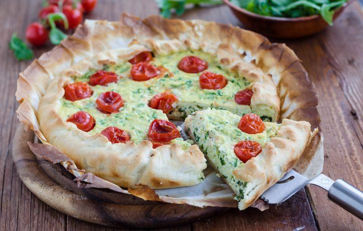 Torta salata con ricotta rucola e pomodorini