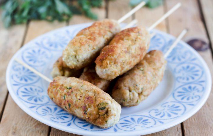 Bastoncini di pollo e zucchine