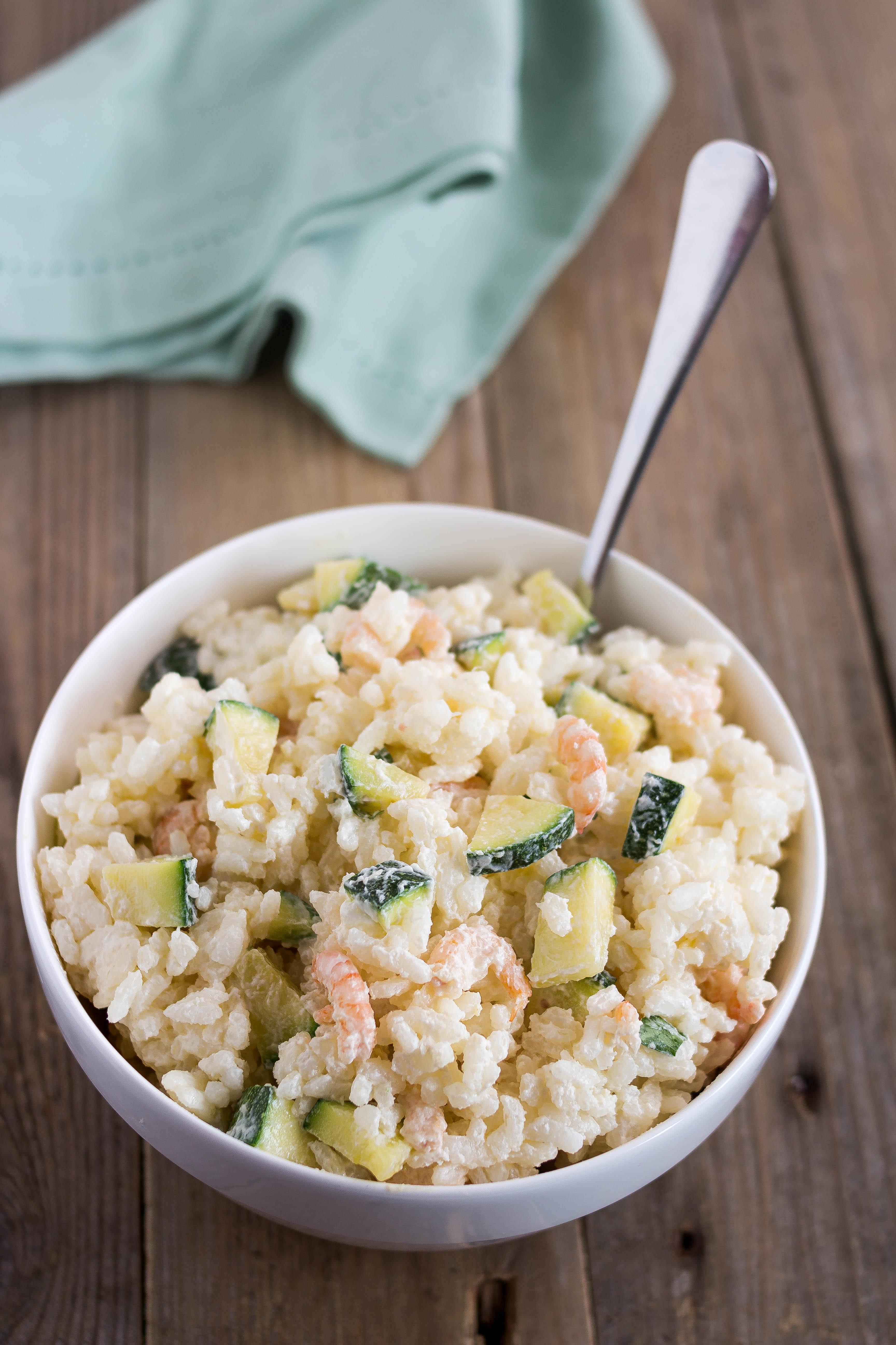Insalata di riso con zucchine e gamberetti