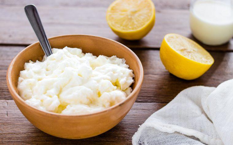 Yogurt al limone fatto in casa