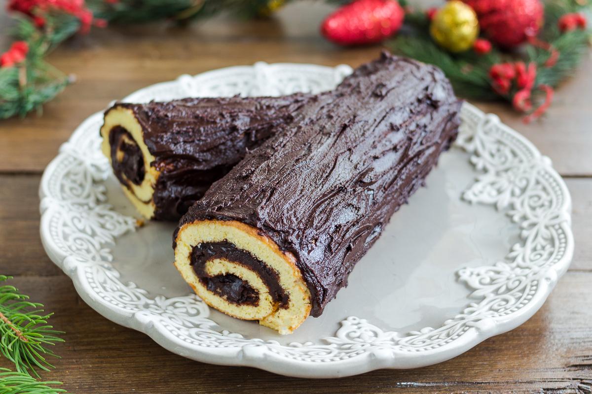 Ricetta Tronchetto Di Natale Per 10 Persone.Tronchetto Di Natale Al Cioccolato