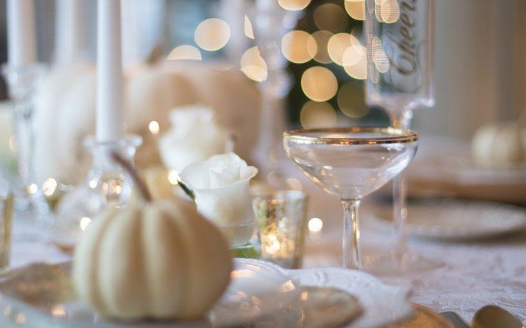 Come apparecchiare la tavola durante le festività e tutto l'anno