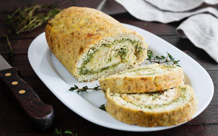 Polpettone di pollo farcito con provola e broccoli