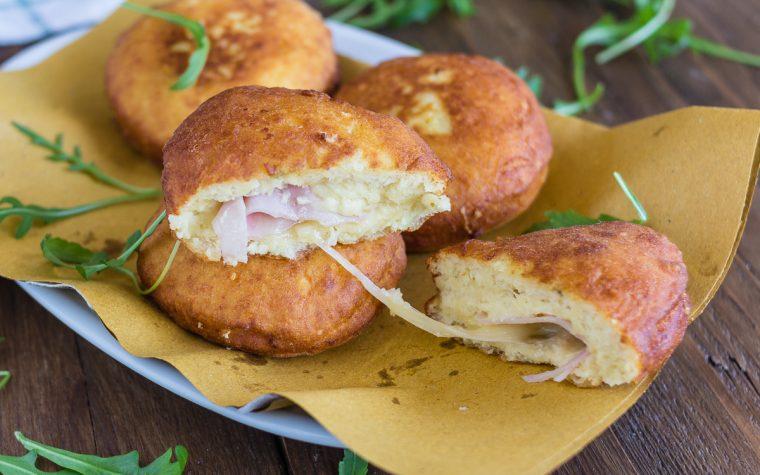Bombe di patate con prosciutto e formaggio