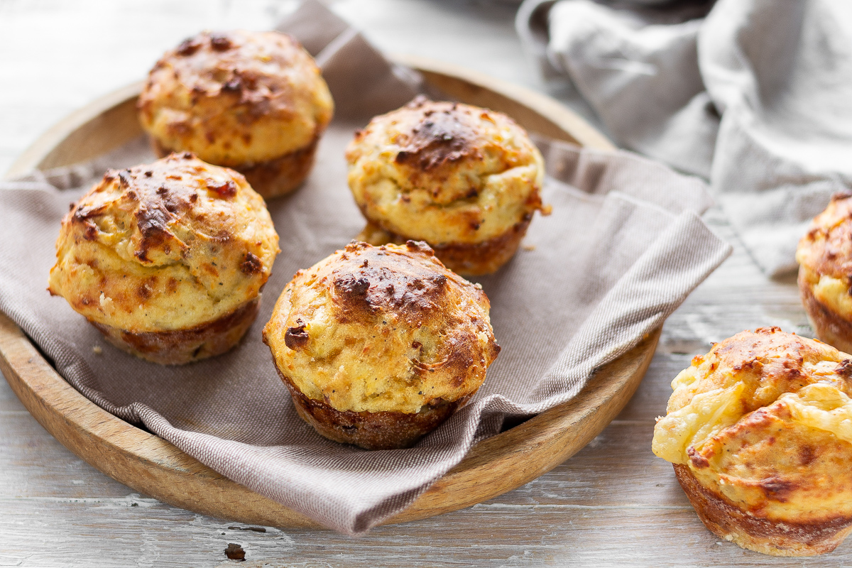Muffin di Patate con Formaggio e Speck