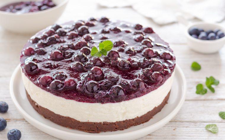 Cheesecake al cioccolato e mirtilli