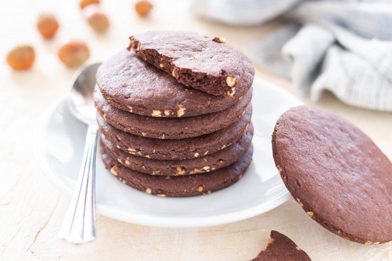 Biscotti al cacao e nocciole