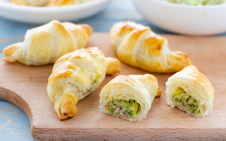 Cornetti salati con zucchine formaggio e prosciutto