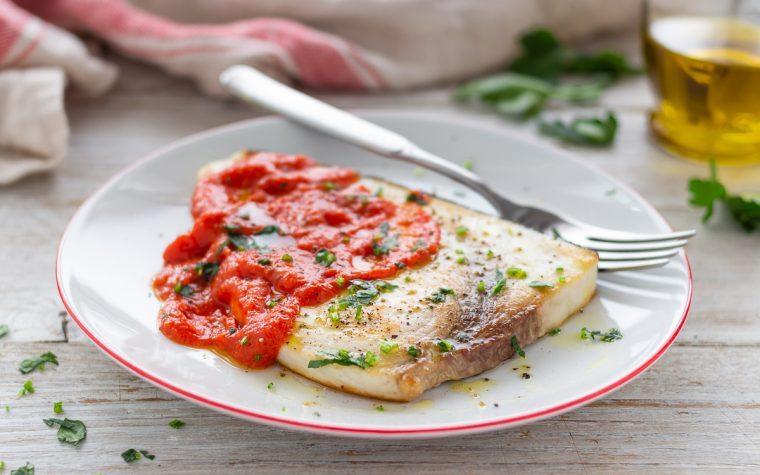 Pesce spada in salsa rossa