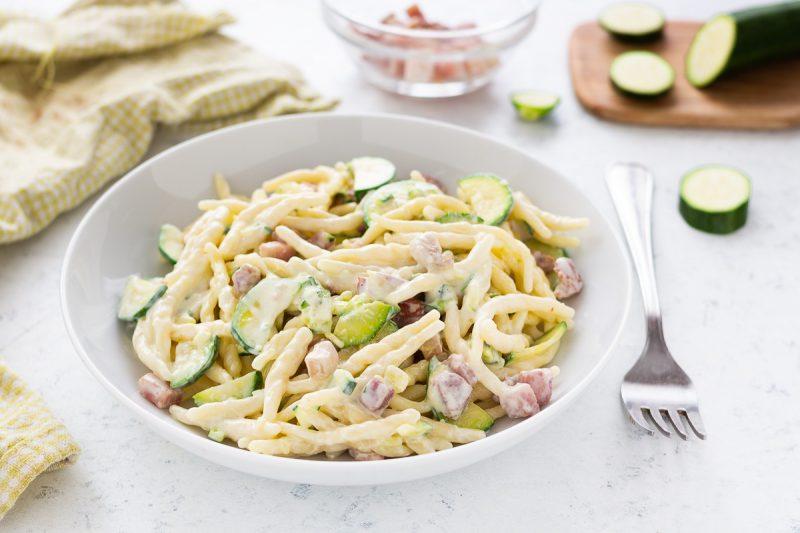 Trofie cremose con zucchine e pancetta