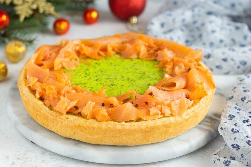 Crostata con crema di zucchine e salmone