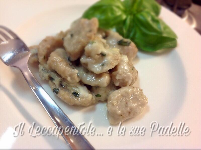 parigini di patete noci e basilico gratinati in forno foto blog