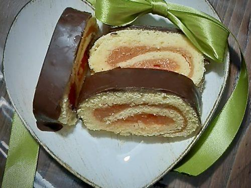 Rotolo con Crema all'Arancia ricoperto di Cioccolato