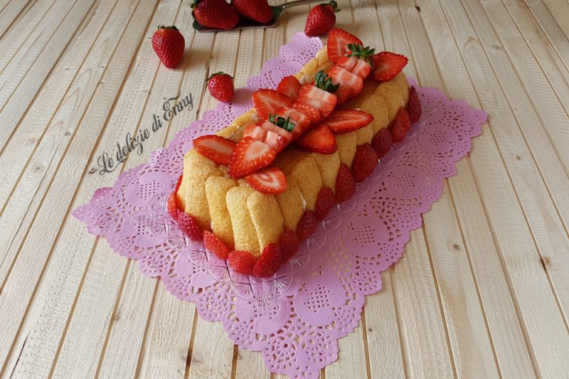 Dolce alle fragole con pavesini