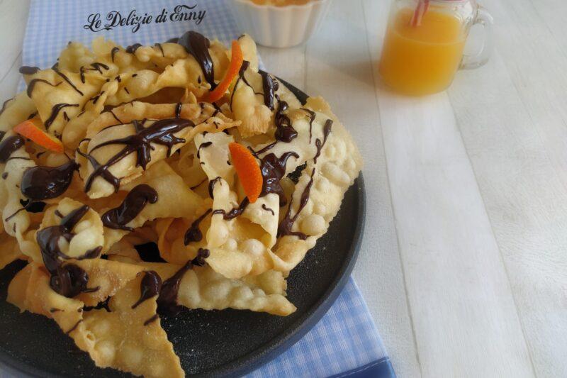 Frappe fritte con succo d'arancia