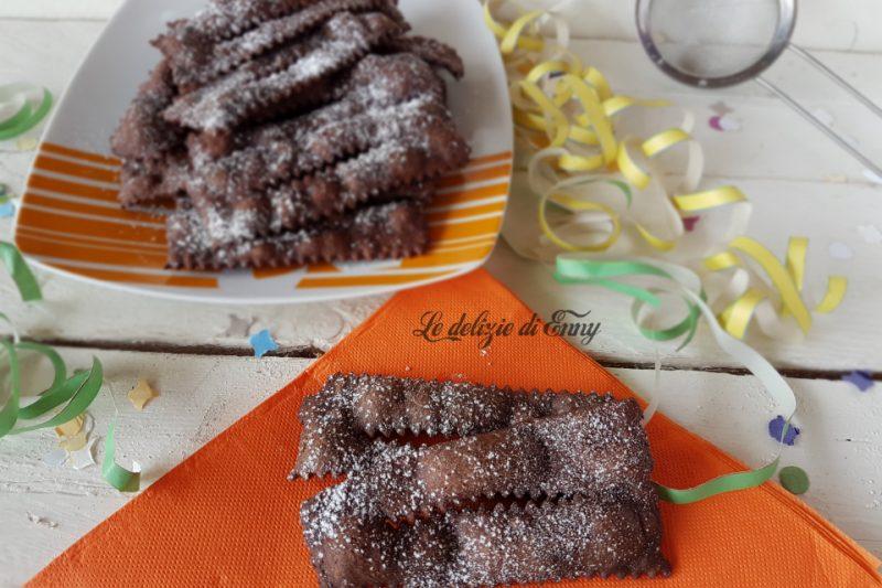 chiacchiere di carnevale con cacao