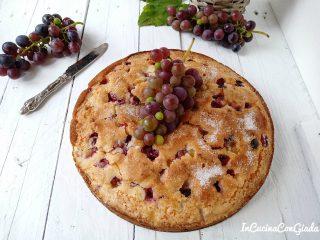Torta all'uva fragola