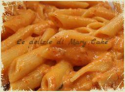 Pasta con crema di peperoni e panna