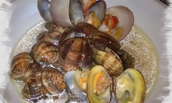 Sautè di fasolari e vongole o zuppa di mare