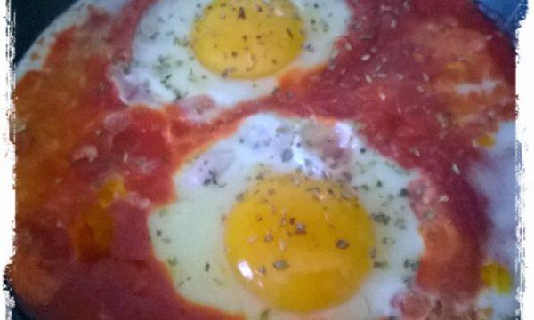 Uova al sugo… :-)