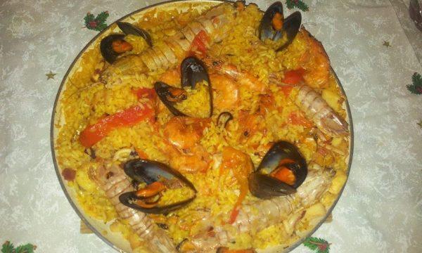 Paella di mare spagnola.