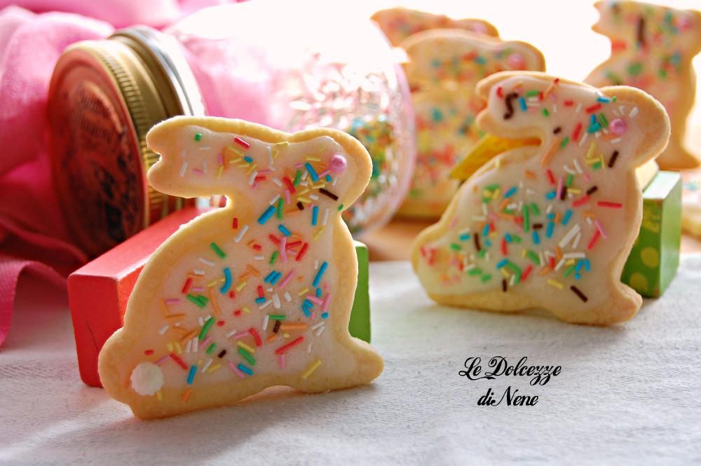 Biscotti pasquali coniglietti ricetta facile e veloce for Decorazioni zucchero a velo