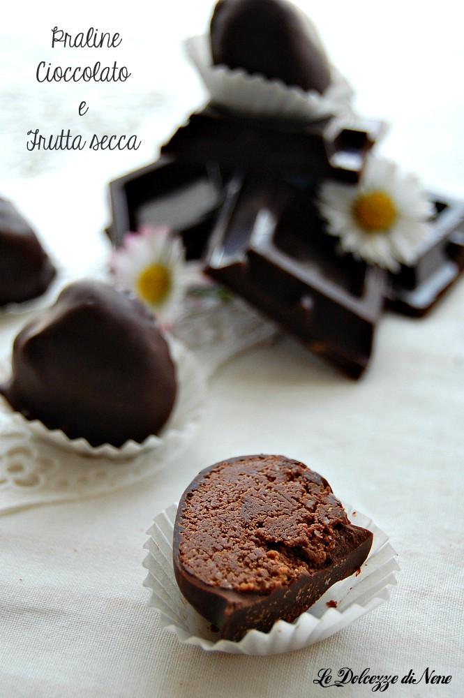praline al cioccolato e frutta secca