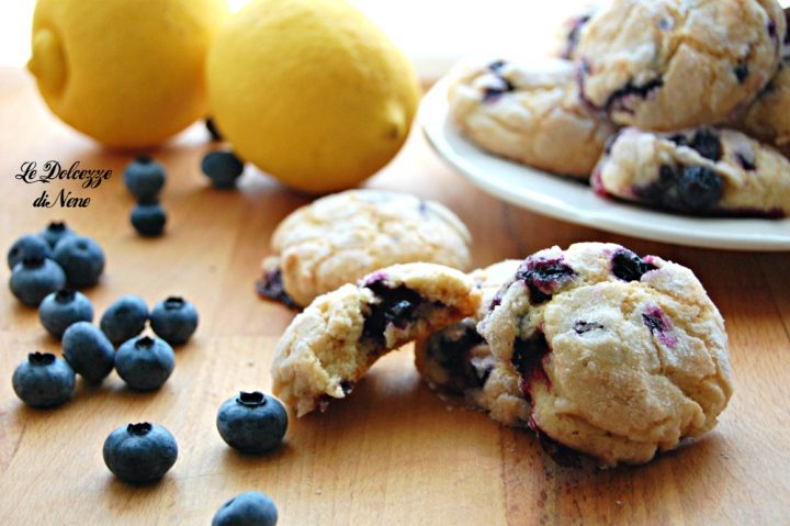 biscotti morbidi con mirtilli freschi e limone
