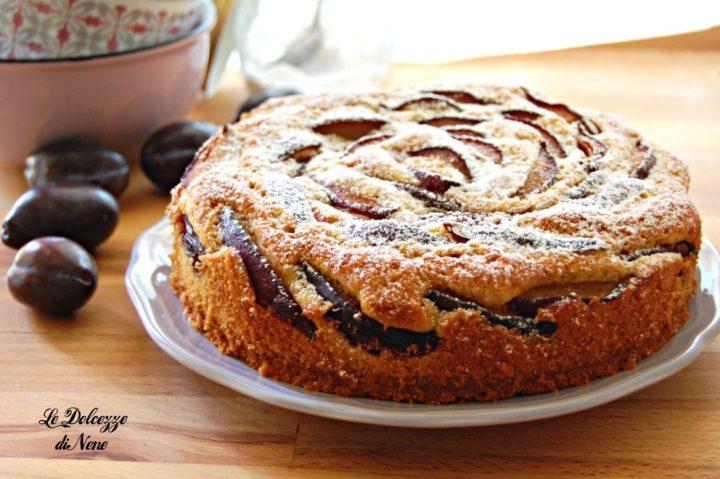 torta con prugne fresche