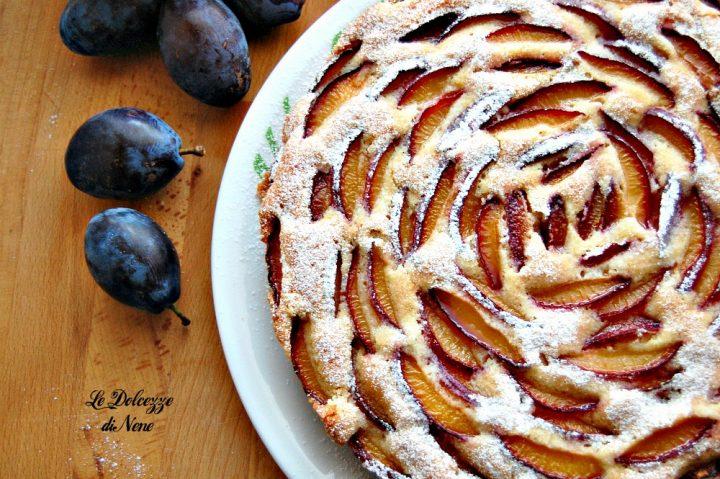 torta morbida con prugne fresche