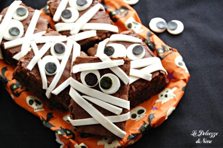 brownies al cioccolato travestiti da mummia
