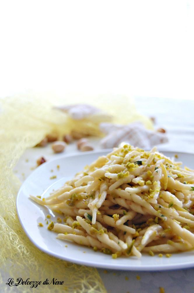 pasta con limone e pistacchi